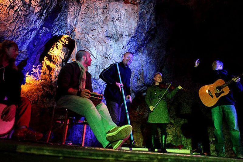 festival Didgeridoo v jeskyni